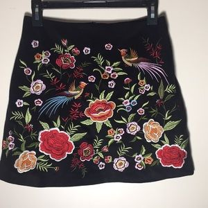 Embroidered Skirt Faux-suede black colorful S